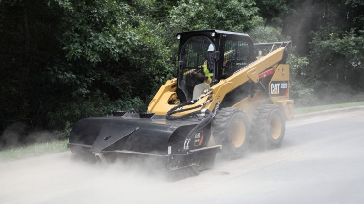 skid steer with tire