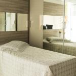 Dormitório Solteiro com Área de Estudo e Closet
