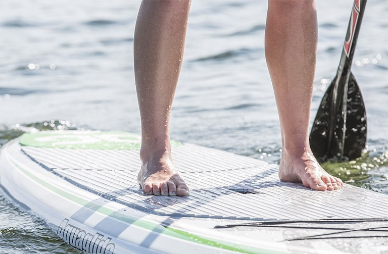 Standing correctly on a paddleboard