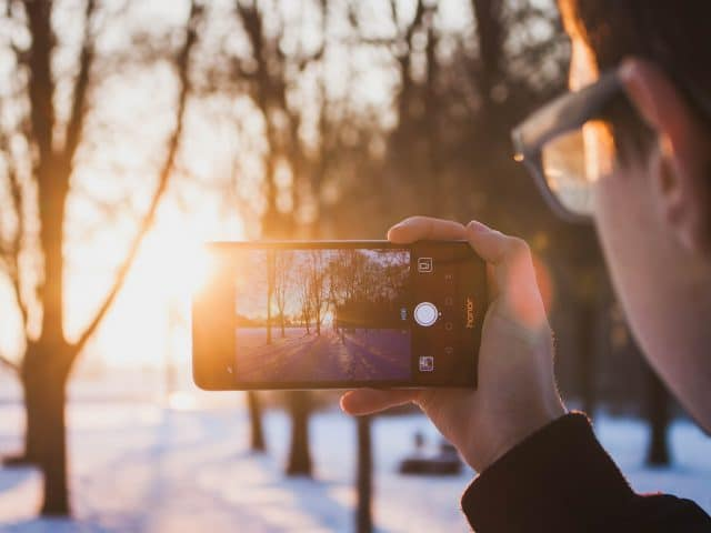 Picture Perfect: Tips to Take Stunning Outdoor Photos With Your Phone
