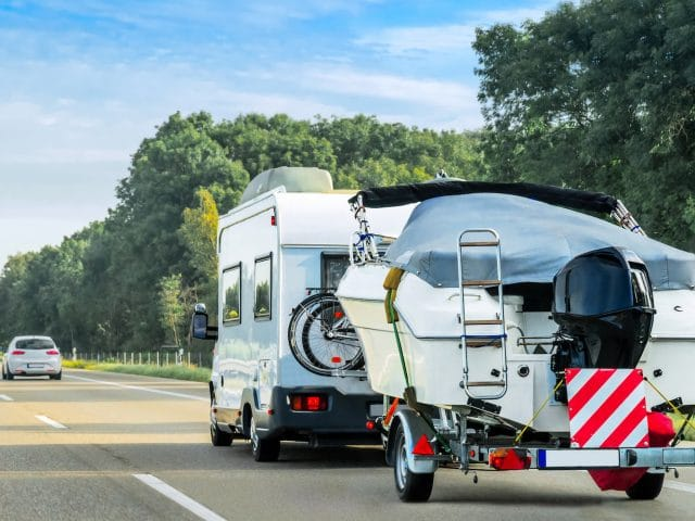 5 Tips for Towing a Boat With Your Motorhome