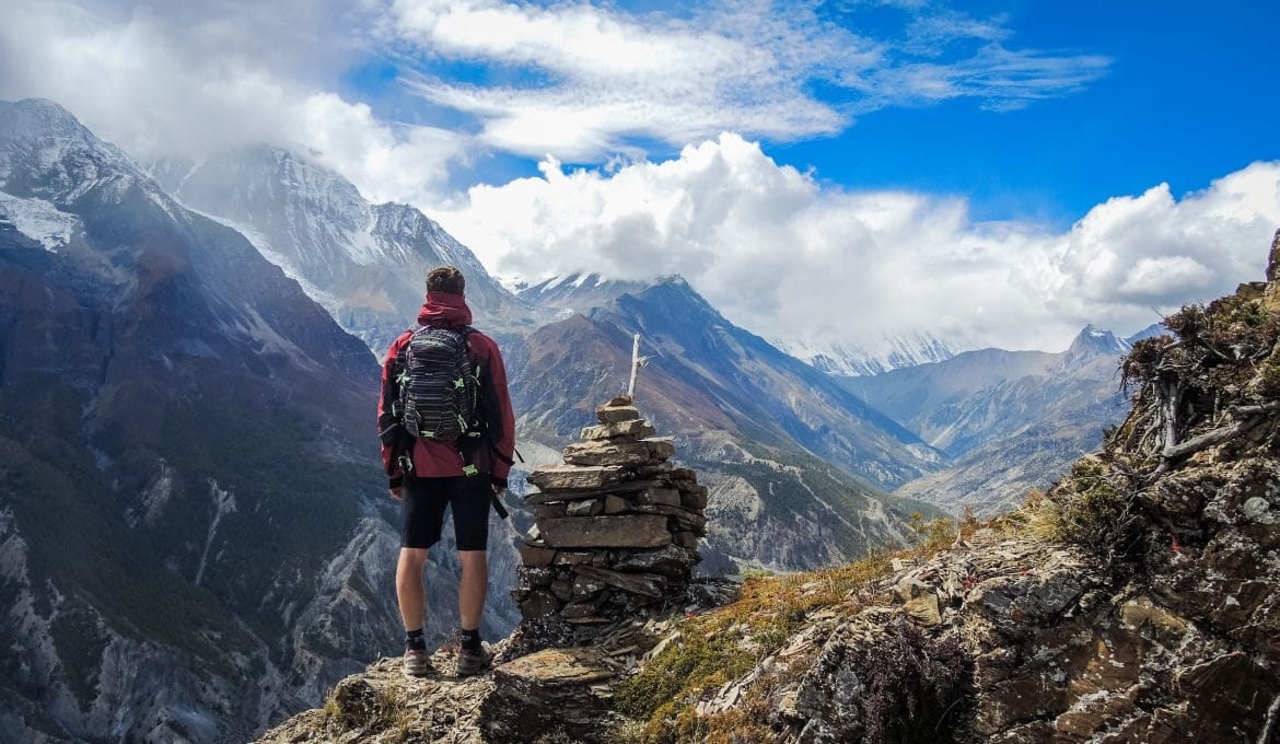 prevent altitude sickness while hiking
