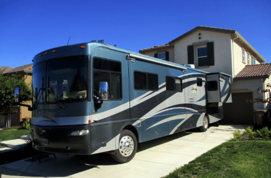 How-to-Get-Out-of-the-Driveway-A-Guide-to-Packing-Your-RV-in-Record-Time-Featured-Image