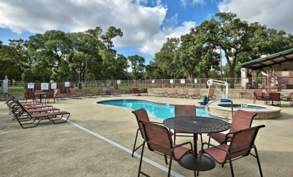 rvers guide to austin texas - oak forest rv park