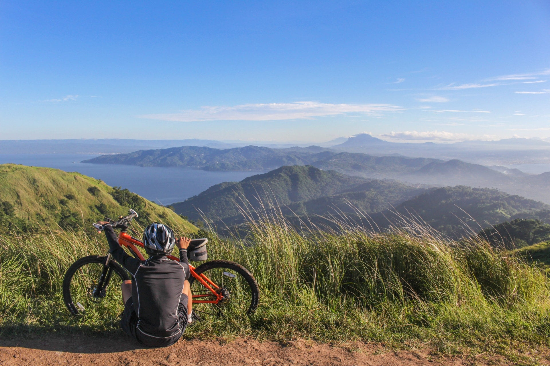 A mountain bike and a view
