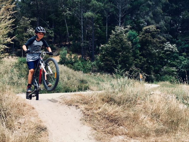 How to Navigate Obstacles on your Mountain Bike