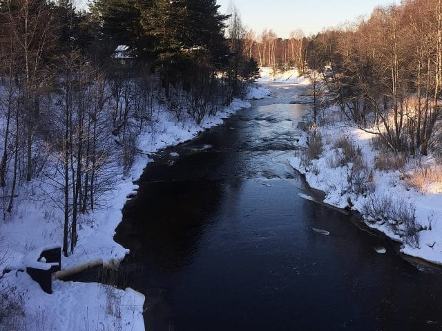 4 Tips for Fishing Rivers in the Winter