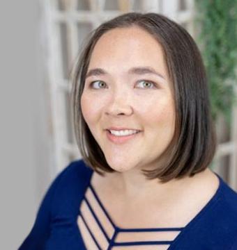 Jennifer Stone Profile Image
