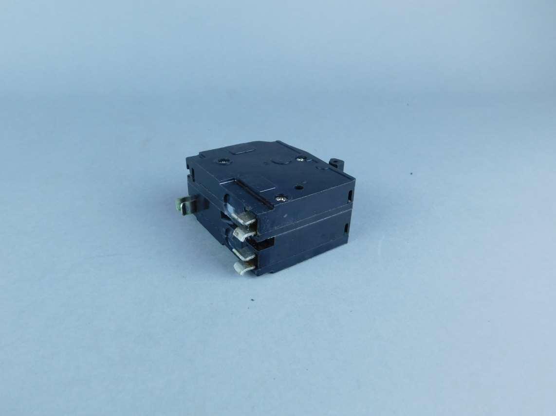 Square D 2-Pole 20 Amp Circuit Breaker LL-7867 – GPM Surplus