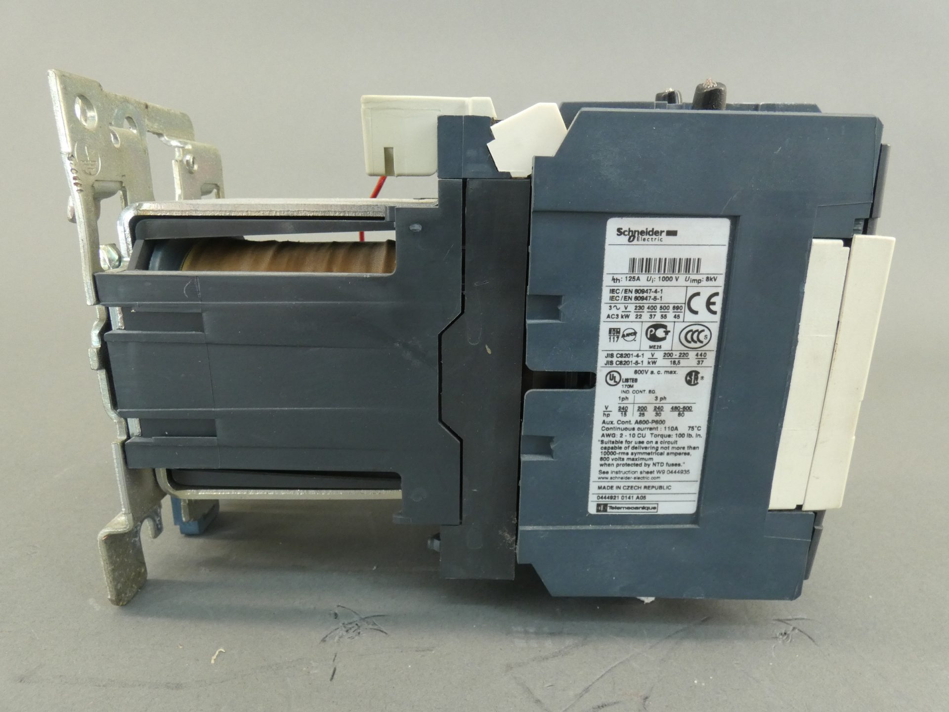 2 N.C LC1D098C7SchneiderContactor 4 Pole 2 N.O AC-1 20A 3 VAC Coil ...