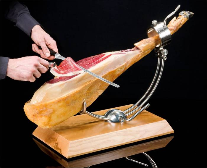 Slicing Whole Jamon Iberico