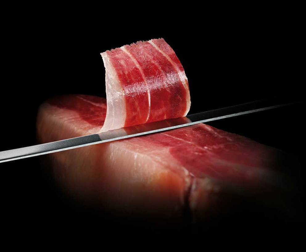 Slicing Jamon Iberico | Free Shipping | Iberico Club™