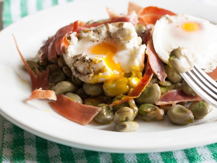 Baby Beans with Jamón Iberico & Eggs Recipe | Iberico Club