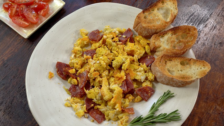 Scrambled eggs & Chorizo Recipe Video