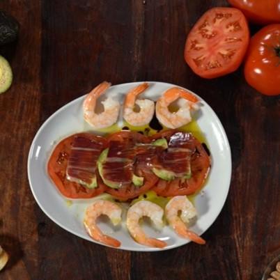 Tomato, Avocado, Jamón and Shrimp salad
