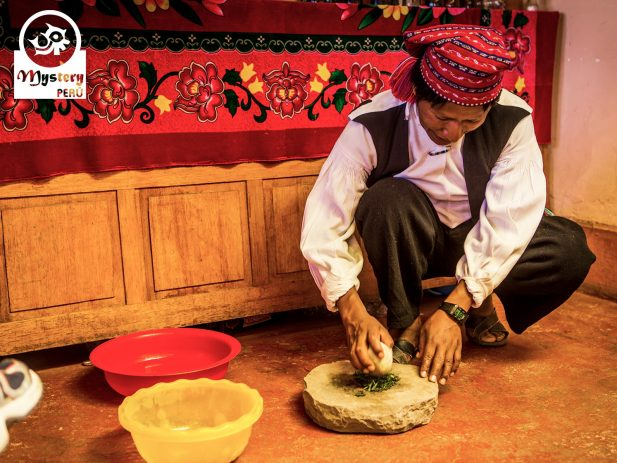 Making food on our Uros homestay tour