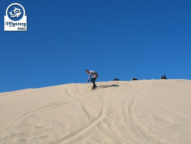 Sandboarding Tour in Nazca. Cerro Blanco.