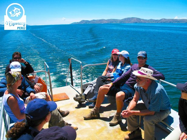 Boat tour to the Lake Titicaca