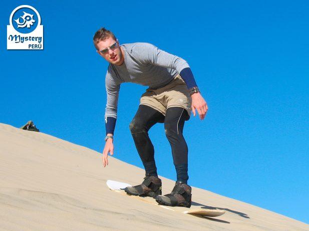 Sandboarding in Paracas 10