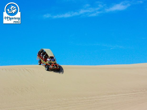 Sandboarding in Paracas 4