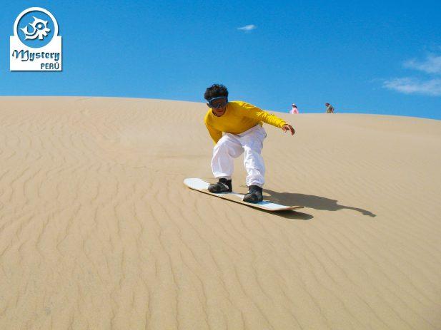 Sandboarding in Paracas 7