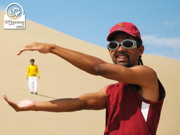 Sandboarding in Paracas 8