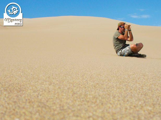 Sandboarding in Paracas 9