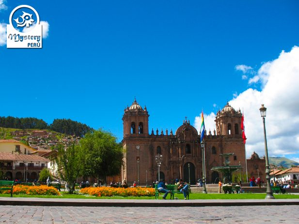 Visit to the Cusco Cathedral.