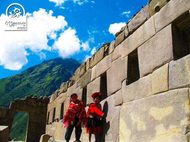 Tour to the Inca ruins of Ollantaytambo.