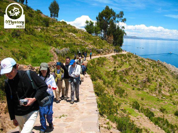 Excurssao de um dia no Lago titicaca 7