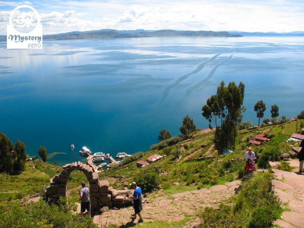 Lago Titicaca & Torres de Sillustani desde Lima. 3 Dias 10