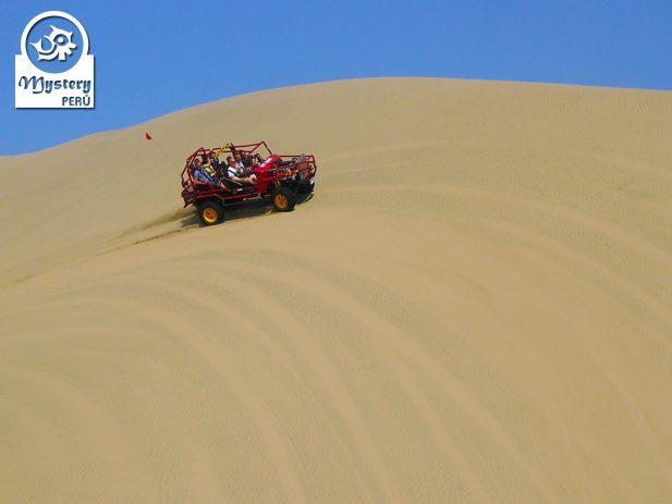 Oasis Huacachina & Lineas de Nazca desde Lima. Tour Clásico 10