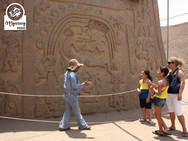 Tour a la Huaca del Dragon 9