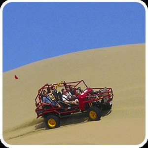 Paseo en carro arenero en Huacachina