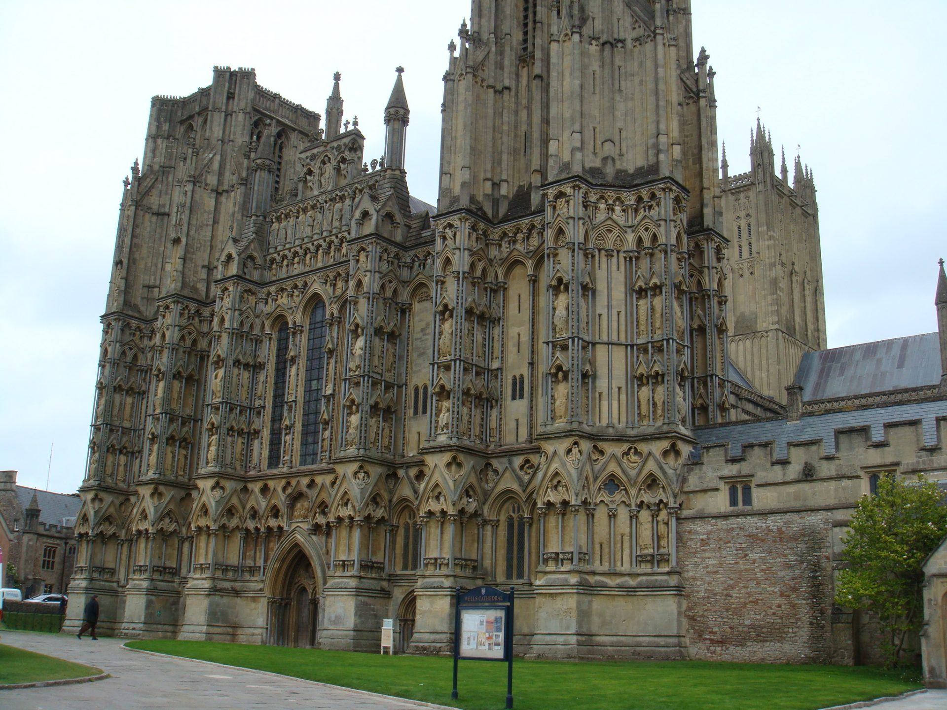 Wells Cathedral - most beautiful of the Cotswolds churches