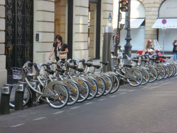 A rental bike location near the Place Vendome
