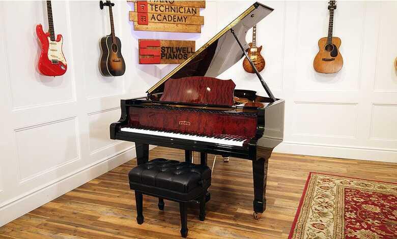 Estonia L190 Grand Piano
