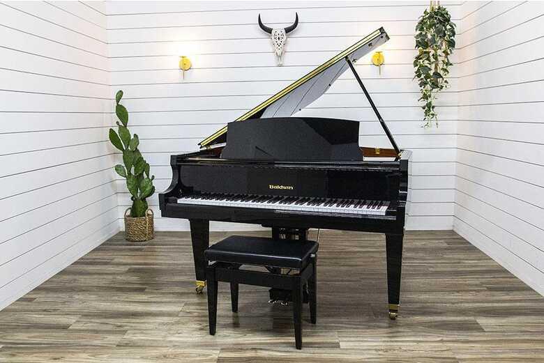 Baldwin BP148 Petite Baby Grand Piano