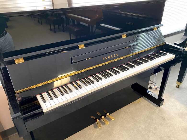 Yamaha T121 Upright Piano