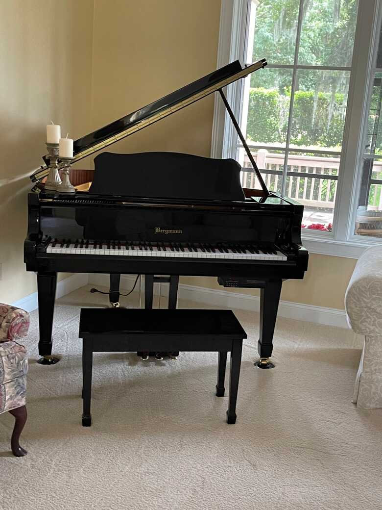 Bergmann TG-150 Baby Grand w/QRS Pianomation Player