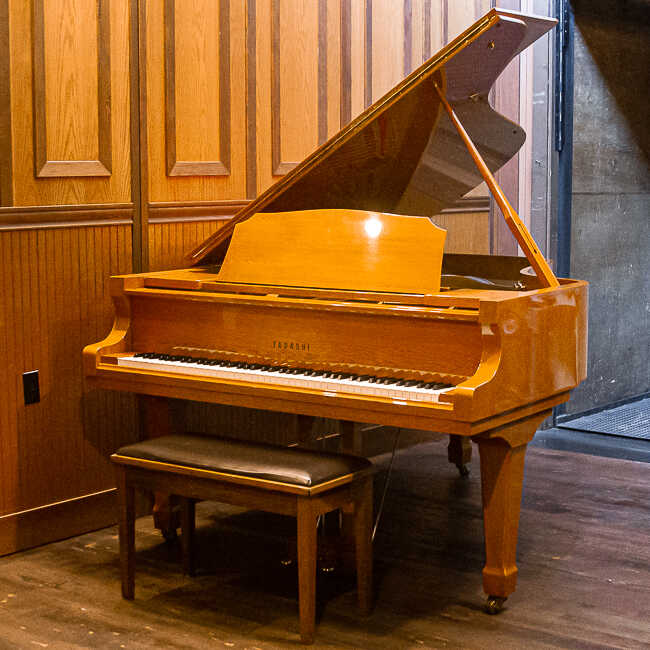 Tadashi T-700 Grand Piano