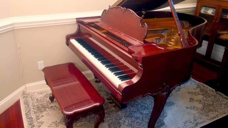 OWNED BY A CELEBRITY : STEINWAY M