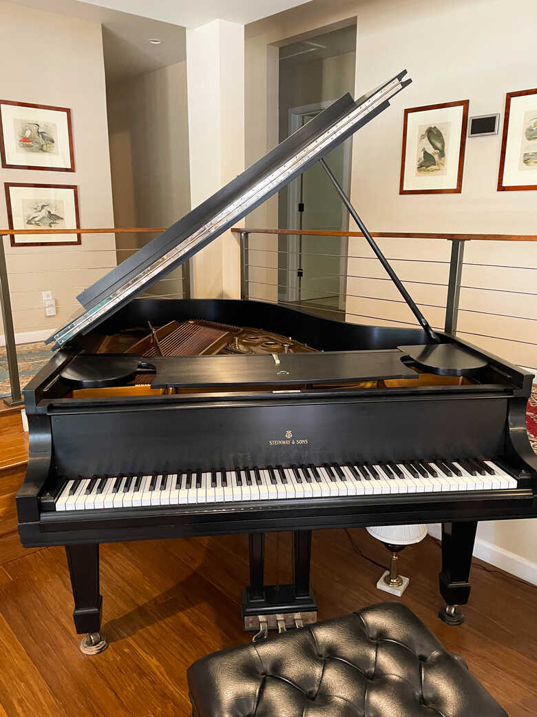 Exceptional value – 2008-restored STEINWAY & SONS Model A