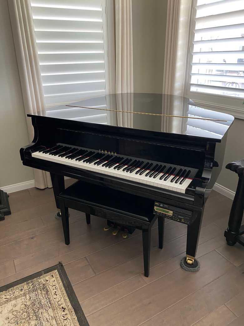 Yamaha disklavier grand piano