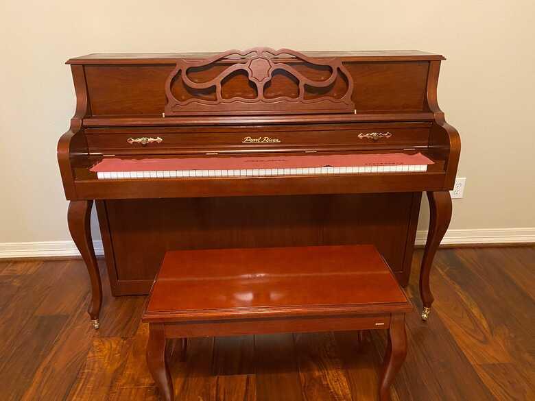 Amazing Upright Piano (Cherry)