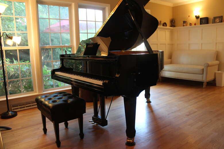 Estonia L190 Grand Piano (comparable to Steinway)