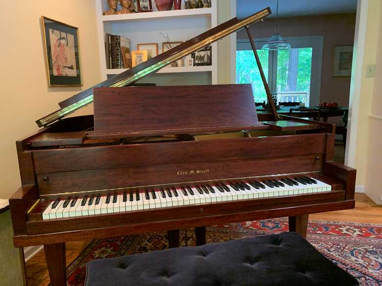 Vintage American baby grand in excellent condition