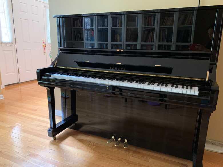 Nearly new Yamaha U3 upright piano