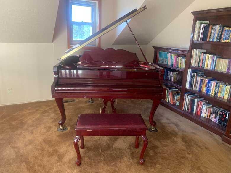 Gorgeous Samick Baby Grand Piano