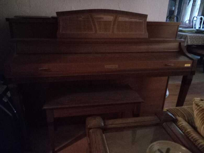 Baldwin Console Piano (1968), Great Condition, Needs Tuning